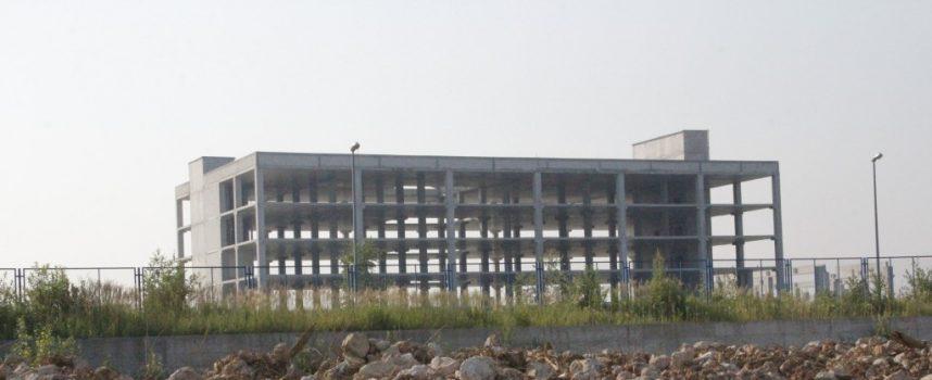 Umjesto trgovačkog centra sa 600 zaposlenika, na Lepircu i dalje samo betonski kostur