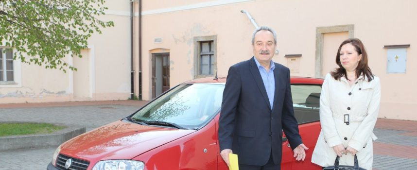 Grad poklonio vozilo Centru za socijalnu skrb