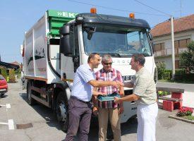 Općina Ivanska dobila novi kamion za odvoz smeća