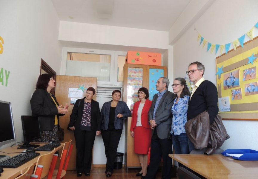 Obitelj Tijan donacijom razveselila učenike i učitelje I. Osnovne škole