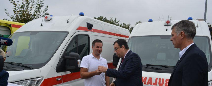 Osam novih vozila za Dom zdravlja i Hitnu medicinsku pomoć