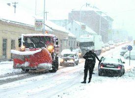 SPREMNI ZA BIJELI POKRIVAČ: Od snijega veći su problem neodgovorni vozači