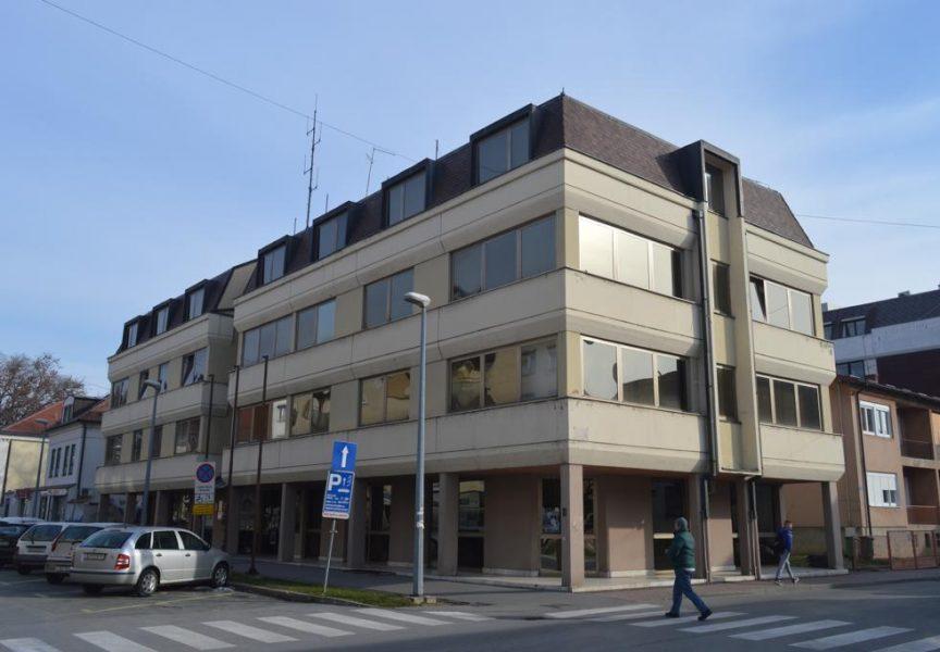 """BJELOVARSKA KOCKICA Luda kuća u zgradi """"komiteta"""" u Gundulićevoj ulici"""