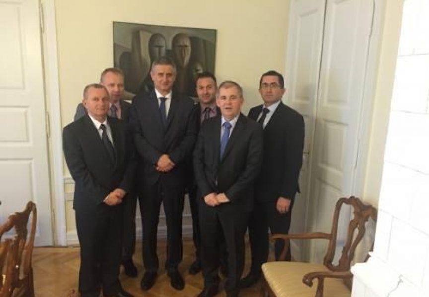 UDRUGA OPĆINA Lokalna samouprava nastavila razgovore s resornim ministrima