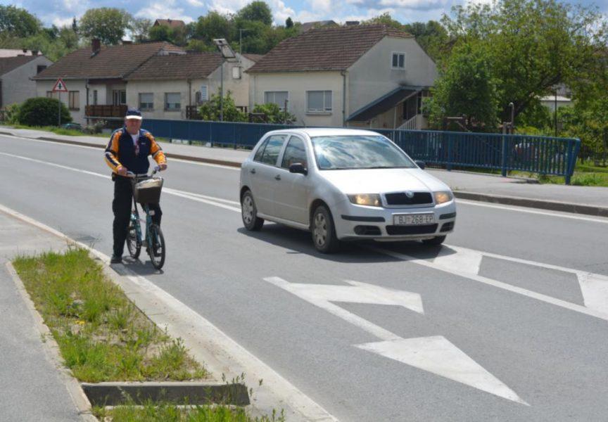 PREBLISKI SUSRETI Bicikliste na Slavonskoj cesti vrebaju opasnosti