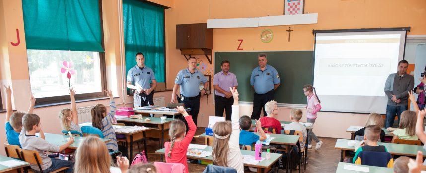 BESPLATNI UDŽBENICI: Samo u Grubišnom Polju prvašiće će knjige čekati na klupama