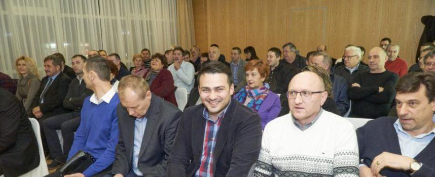 Ante Topalović ponovno obećao besplatne udžbenike i manju cijenu vrtića