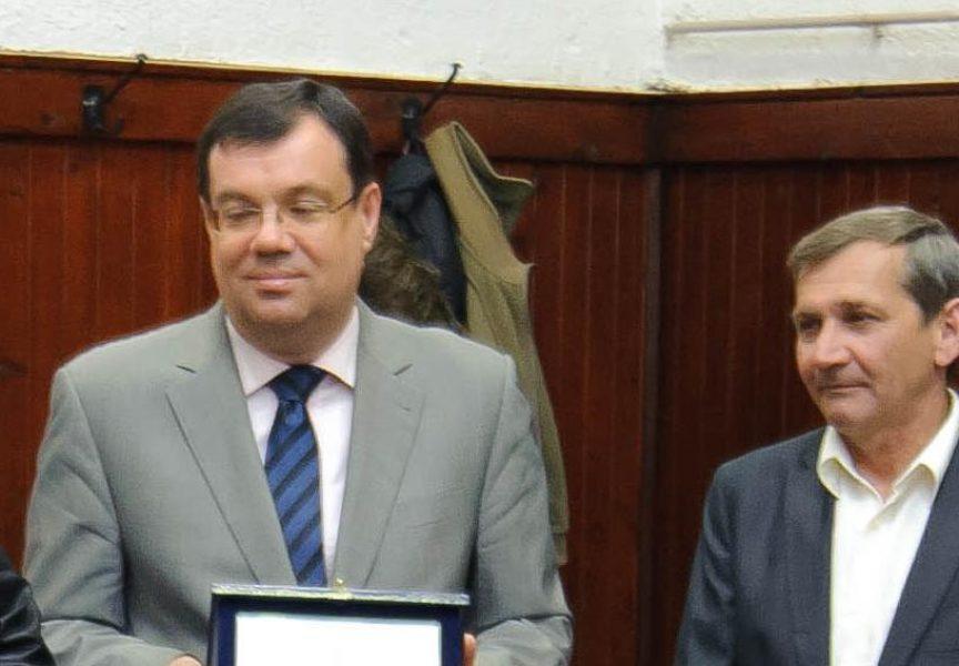 ŽUPANIJSKI KUTAK Župan Damir Bajs dobitnik je zahvalnice u Novoj Rači