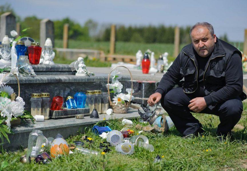 VANDALIZAM Obitelj Filić očajna jer je netko oskvrnuo grob njihova sina