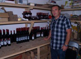 ISPLATIVA PROIZVODNJA Sabolović je lani proizveo više od 3 tisuće litara kupinova vina