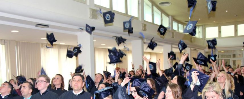 IZVRSNOST Najbolji maturanti oslobađa plaćanja školarine