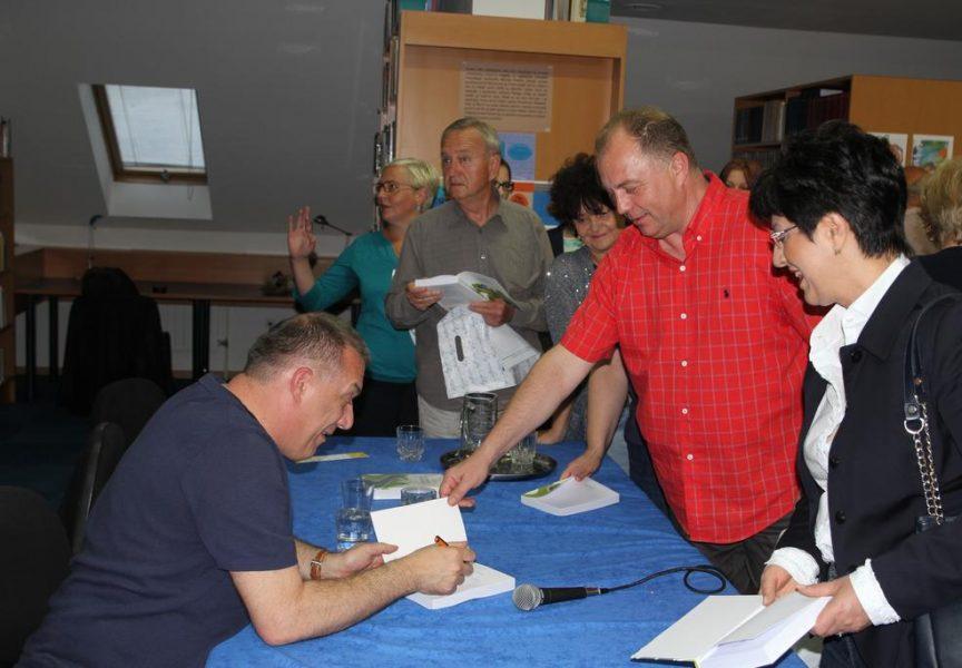 DOKTORSKI ROMAN O međuljudskim odnosima u bjelovarskoj bolnici kroz izmišljeni lik Martina Kozmara