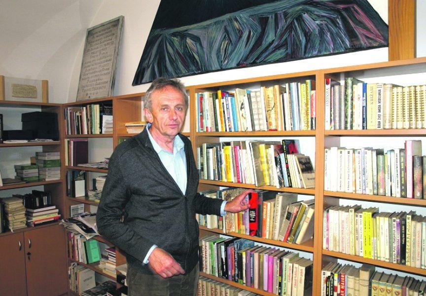 S KNJIGOM NA PLAŽU Bjelovarčani prije ljetovanja hrle u Narodnu knjižnicu