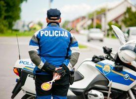 PODIGNUTA OPTUŽNICA Gušili policajca pa ga udarali šakom u lice
