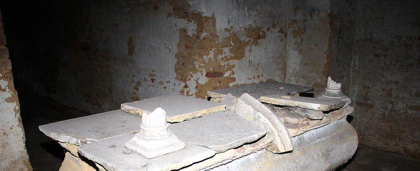 KATAKOMBE Što se krije iza zida u kripti katedrale?