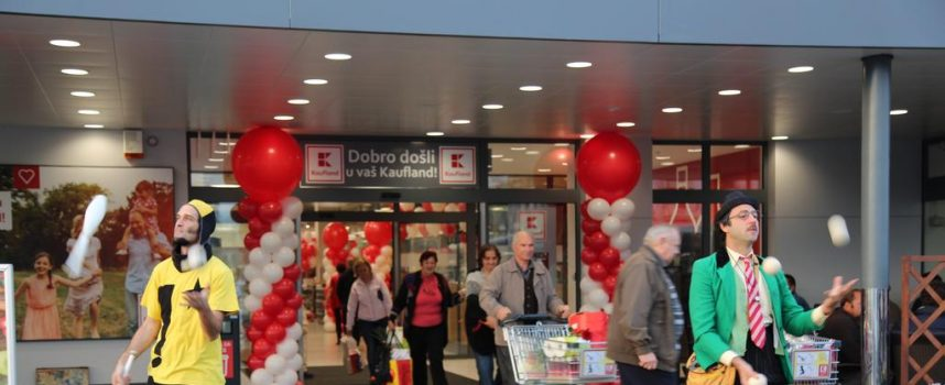 KAUFLAND OTVORIO SVOJA VRATA Otvorena je potpuno preuređena poslovnica u Bjelovaru