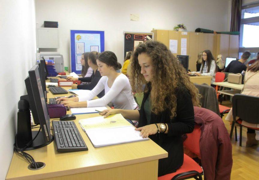 PRVI U DRŽAVI Ekonomska škola prije dva desetljeća položila je temelje učenju uz pomoć vježbeničkih tvrtki