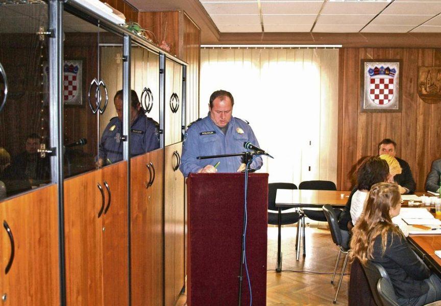 IZABRANI NOVI NAČELNICI POLICIJSKIH POSTAJA Promjena u polovici postaja