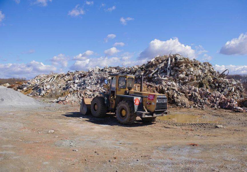 GRAĐEVINSKI OTPAD Kod Radoševića se prikolica građevinskog otpada može istovariti bez ikakve naknade