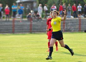 NA MUŠKOM TERITORIJU Nogometnu sutkinju Kristinu Veljačić nisu obeshrabrile ni prijetnje i vrijeđanja