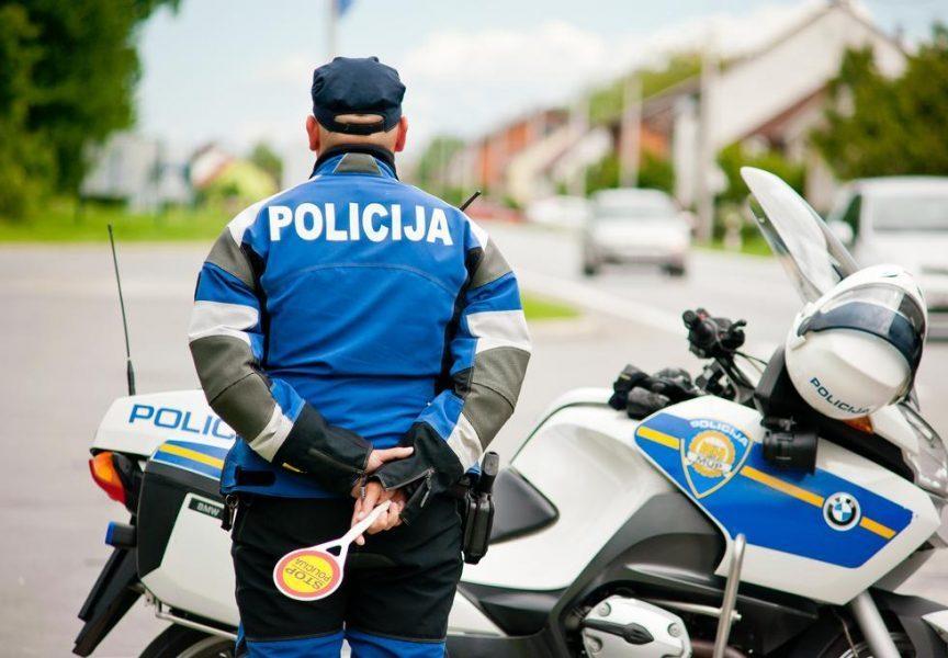 FILMSKA POTJERA U GAREŠNICI S 2,4 promila alkohola u krvi bježao policiji i zaletio se u betonski most
