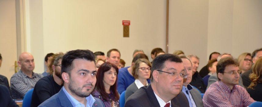 ŽUPAN BAJS SUDJELOVAO NA PANEL DISKUSIJI Na gospodarskom panelu okupili se brojni poduzetnici