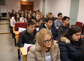 ZNAJUĆI PROŠLOST U SIGURNIJU BUDUĆNOST Učenici iz Čazme i Garešnice postigli najbolje rezultate na testu iz Domovinskog rata
