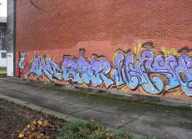BJELOVARSKI GRAFITI I NATPISI Neki natpisi u centru grada šalju poruku više od 20 godina