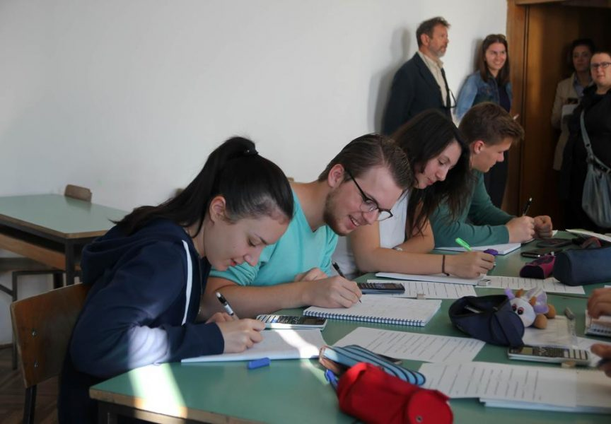 STRANI JEZICI Engleski uvjerljivo istisnuo francuski i ruski