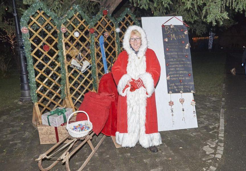 GOŠĆA SA SJEVERNOG POLA Baka Mraz zvijezda Adventa u Bjelovaru