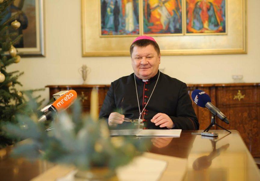 POSLANICA Biskup Huzjak podsjetio vjernike na pravi smisao Božića