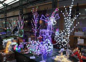 ŽIVAHNO NA GRADSKOJ TRŽNICI Nekoliko dana prije Božića Gradska tržnica bogatija nego ikada