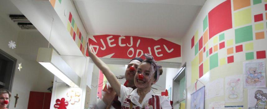 POSJET DJEČJEM ODJELU BJELOVARSKE BOLNICE Udruga Bedem ljubavi u ratu i miru obradovala mališane koji borave u bolnici