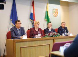 SASTANAK PREDSJEDNICE I POLJOPRIVREDNIKA U zgradi Županije Kolinda primila predstavnike obiteljskih gospodarstava