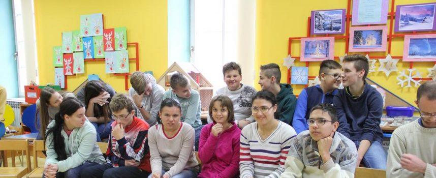 JESMO LI SOLIDARNI? Na Dječjem odjelu knjižnice održana spikaonica o solidarnosti