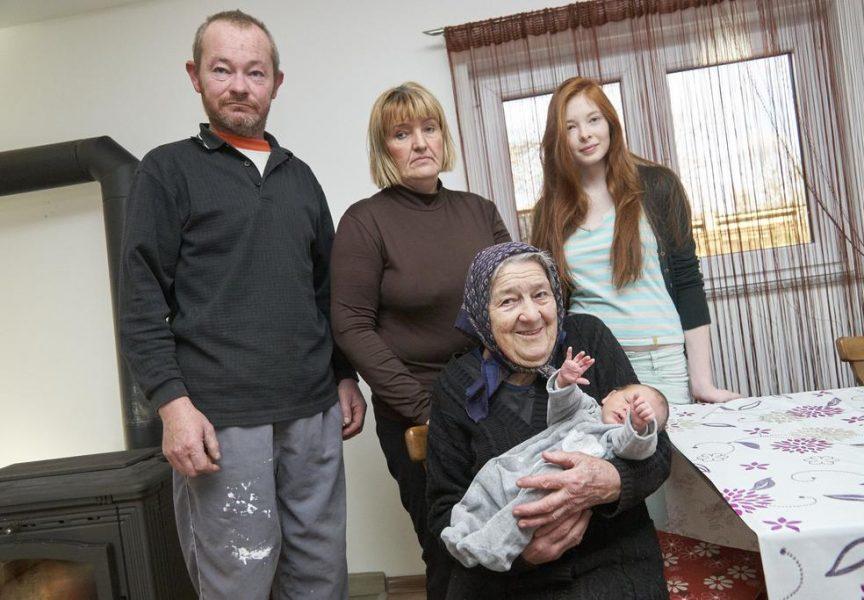 PRAVA RIJETKOST Dragica Smešnjak s 86 godina postala šukunbaka