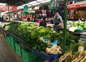 GRADSKA TRŽNICA Zbog tople zime poljoprivrednici u brizi. Tržnica se 'zeleni' kao u proljeće