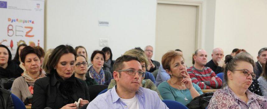 ODRŽANA VELIKA KONFERENCIJA O HIV-U Gradska vijećnica ispunjena do posljednjeg mjesta