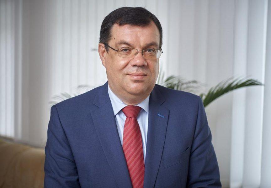 ŽUPANIJSKI KUTAK Župan Damir Bajs dobio je povelju za razvoj voćarstva