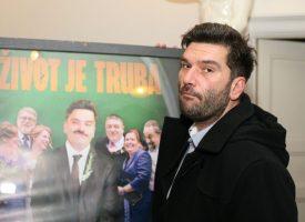 BOJAN NAVOJEC PRVI PUT U ORGANIZACIJI BOK FESTA Zadužen za 'off' program. Organizira književne večeri, radio drame…