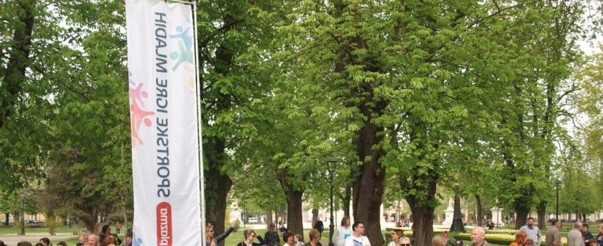 PLAZMA SPORTSKE IGRE MLADIH Stotine mladih učenika na gradskom korzu. Počeo najveći amaterski sportski događaj u Europi
