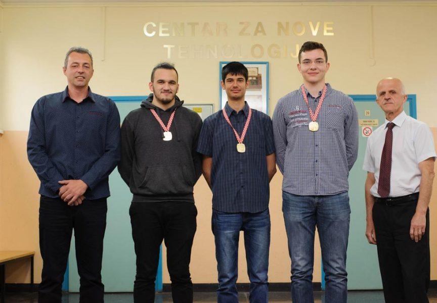 GENIJALCI Maturanti bjelovarske Tehničke škole postali su državni prvaci