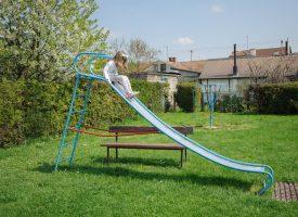 ZABRINJAVAJUĆE Roditelji upozorili na stare i dotrajale sprave na većini gradskih igrališta
