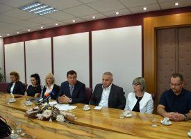 PRIJEM ZA MEDICINSKE SESTRE Župan Bajs povodom Međunarodnog dana sestrinstva primio primio medicinske sestre i tehničare