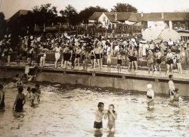 BJELOVARSKI BAZEN NEKADA Plivanje i vaterpolo jedni su od najdugovječnijih bjelovarskih sportova