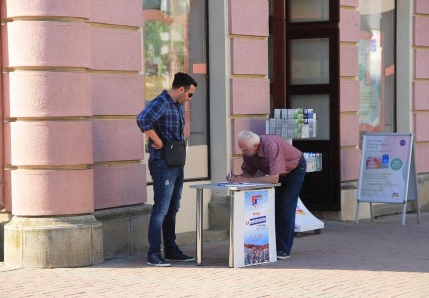 IZMJENE IZBORNOG ZAKONA Tri dana prije završetka akcije prikupljeno 3500 potpisa