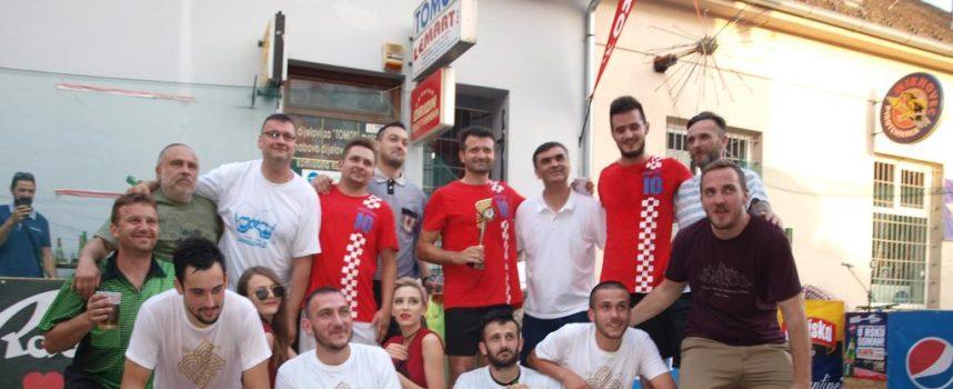 TURNIR 100 KAFIĆA  U samom centru Bjelovara uspješno održan malonogometni turnir bjelovarskih kafića