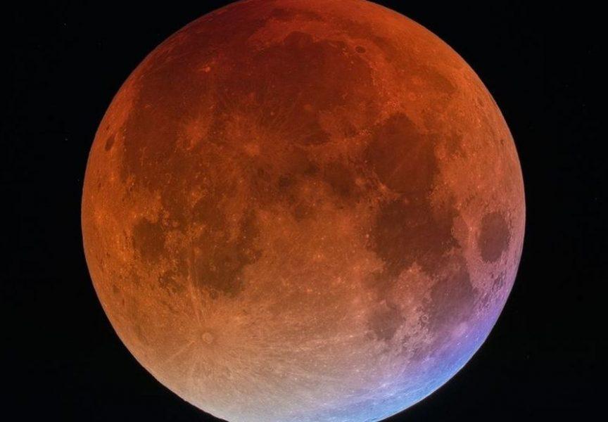NAJVEĆA POMRČINA MJESECA U 21. STOLJEĆU Večeras atraktivan i poseban događaj na nebu. Pomrčina će trajati 103 minute