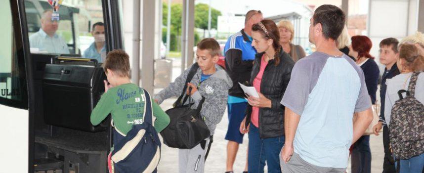 TAKO I TREBA Na otoku Pašmanu besplatno ljetuje 70 županijskih osnovnoškolaca lošijeg imovinskog stanja