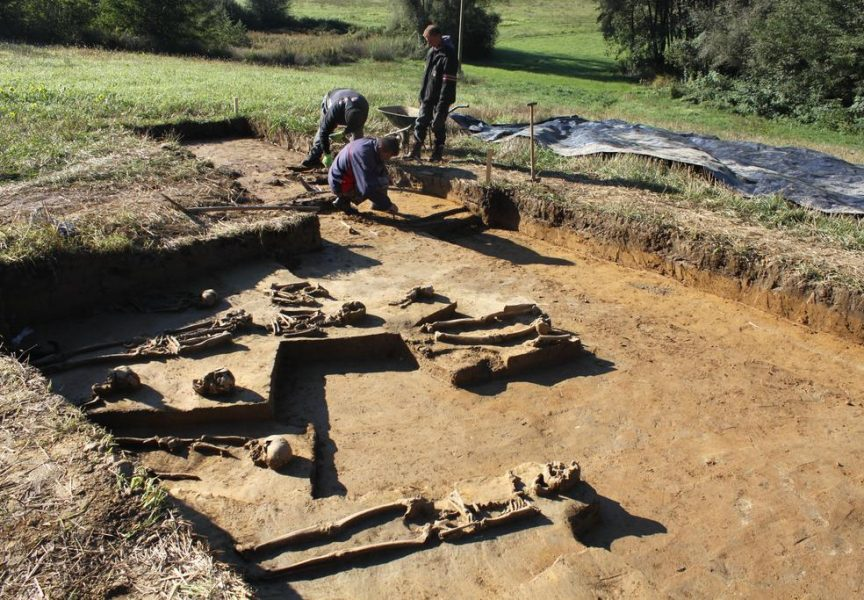 ARHEOLOŠKA ISTRAŽIVANJA I na Matoševom trgu u Bjelovaru nalaze se rimski ukopi